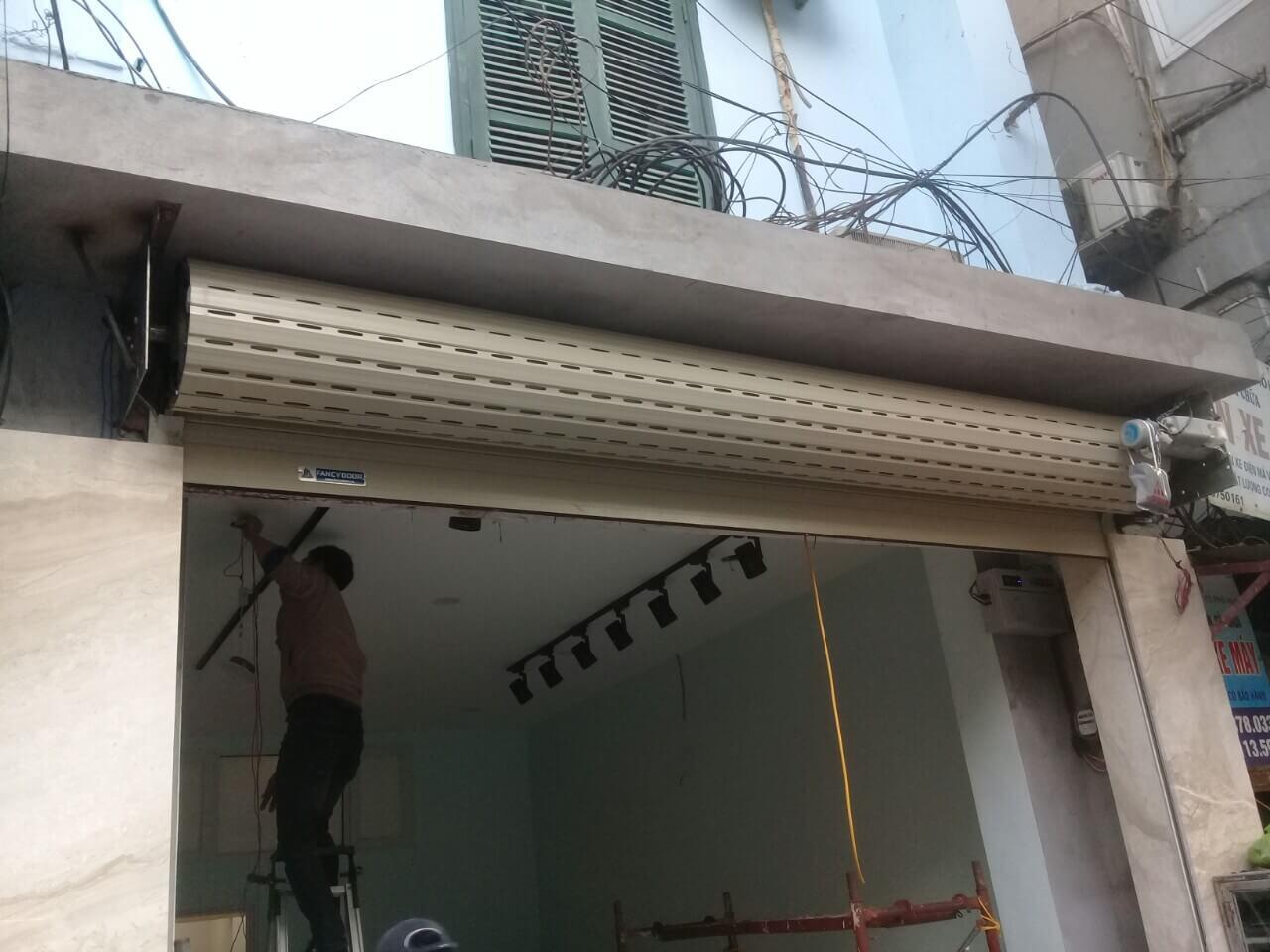 Công ty lắp đặt cửa cuốn tại Quận Tân Phú