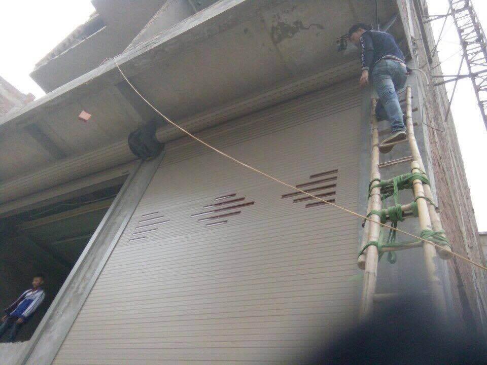 Thợ sửa chữa cửa cuốn tại Quận 4