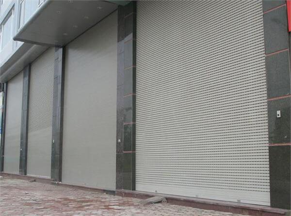 sua-cua-cuon-phuong -1-quan-go-vap-02